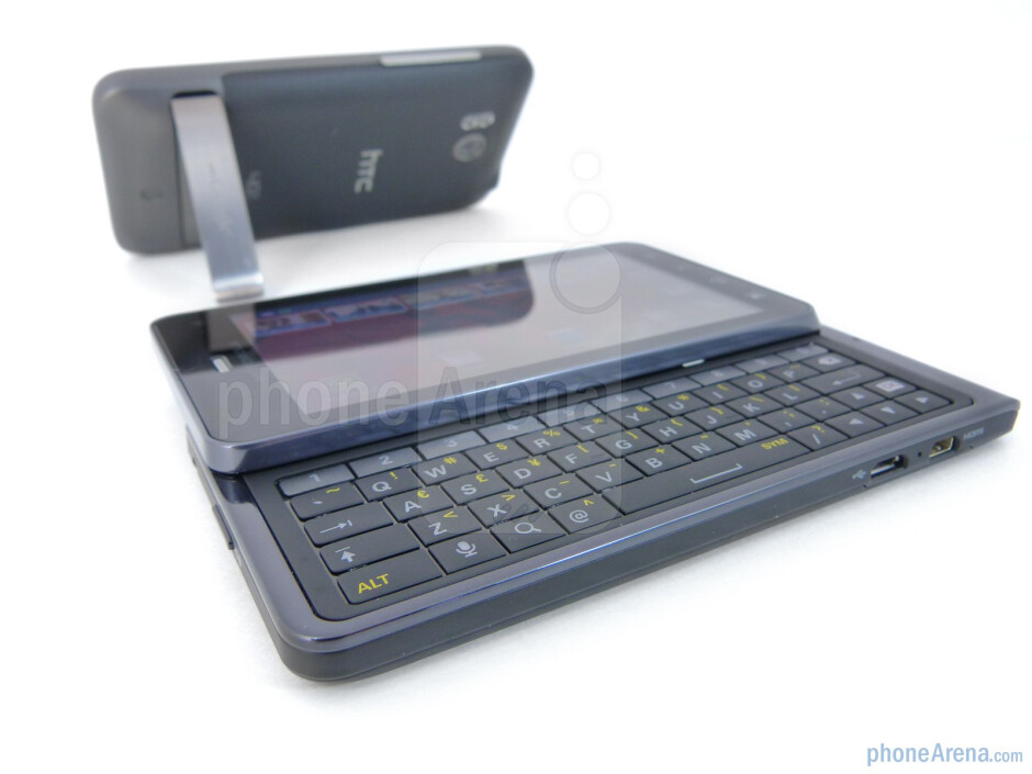 The two handsets deliver their own unique characteristics - Motorola DROID 3 vs HTC ThunderBolt
