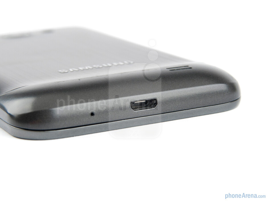 The sides of the Samsung Galaxy R - Samsung Galaxy R Preview