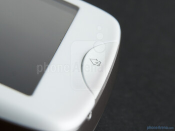 The half-circle home button on the front - Sony Ericsson txt pro Review