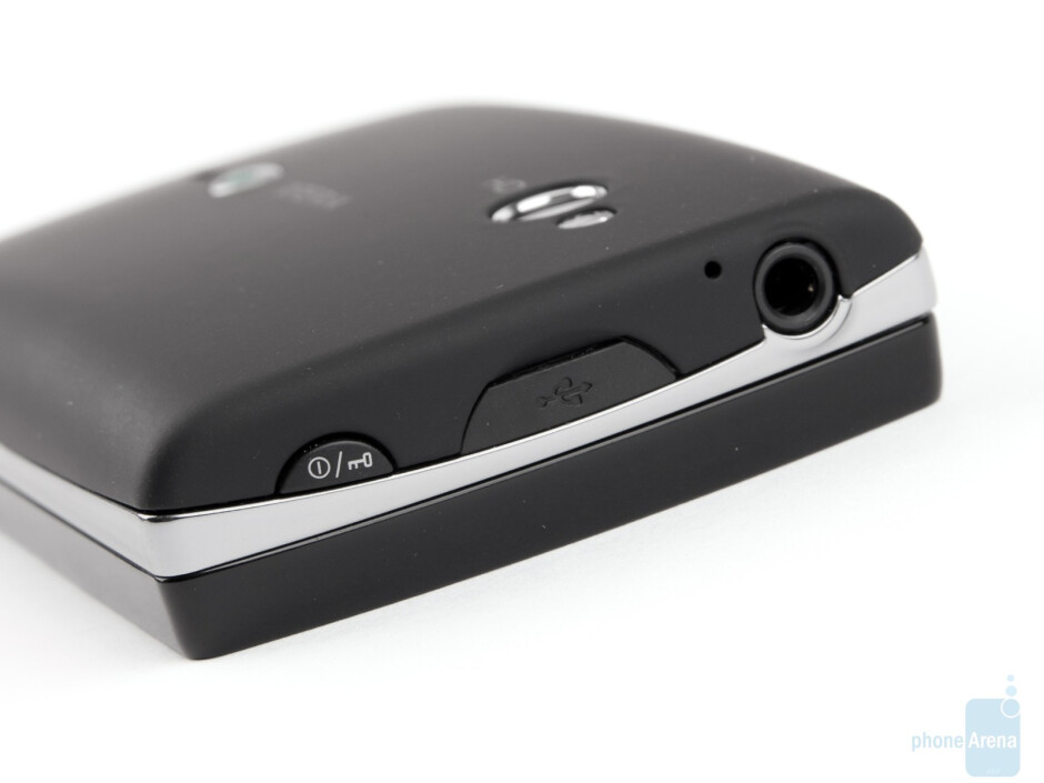 Top side with power key and microsUSB port - Sony Ericsson Xperia mini pro Review