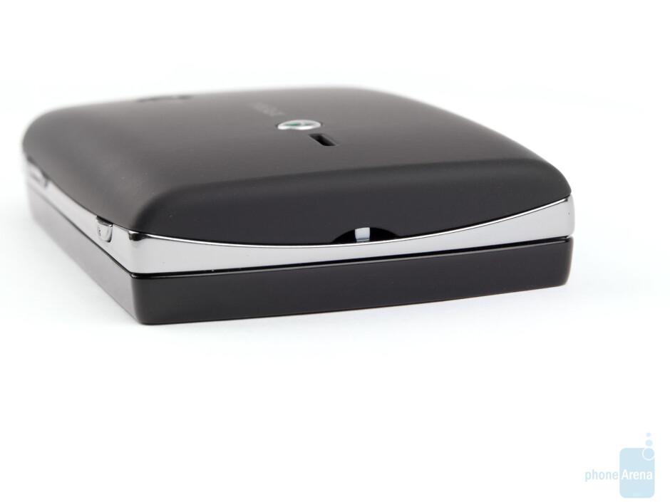 Bottom side - Sony Ericsson Xperia mini pro Review