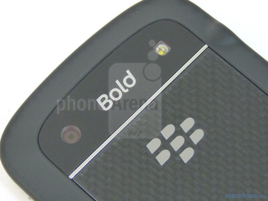 5MP camera with flash - RIM BlackBerry Bold 9900 Review