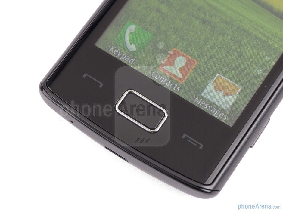 """Buttons below the display - The 3.2"""" LCD screen sports 240x400 pixels of resolution - Samsung Wave 578 Review"""