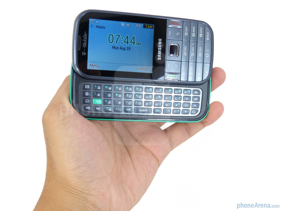 The Samsung Gravity TXT is lightweight and not overly bulky - Samsung Gravity TXT Review