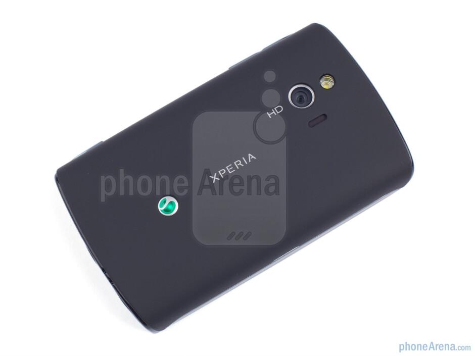 Back - Sony Ericsson Xperia mini Review