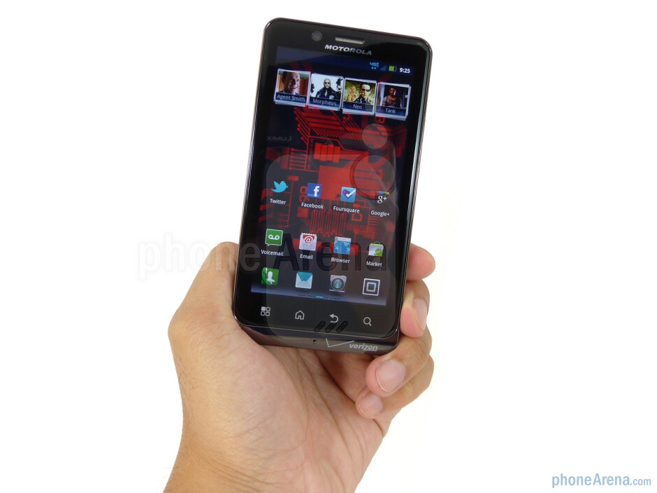 """The Motorola DROID BIONIC has a lightweight feel and is less than half an inch thick at its thinnest point""""&nbsp - Motorola DROID BIONIC Review"""