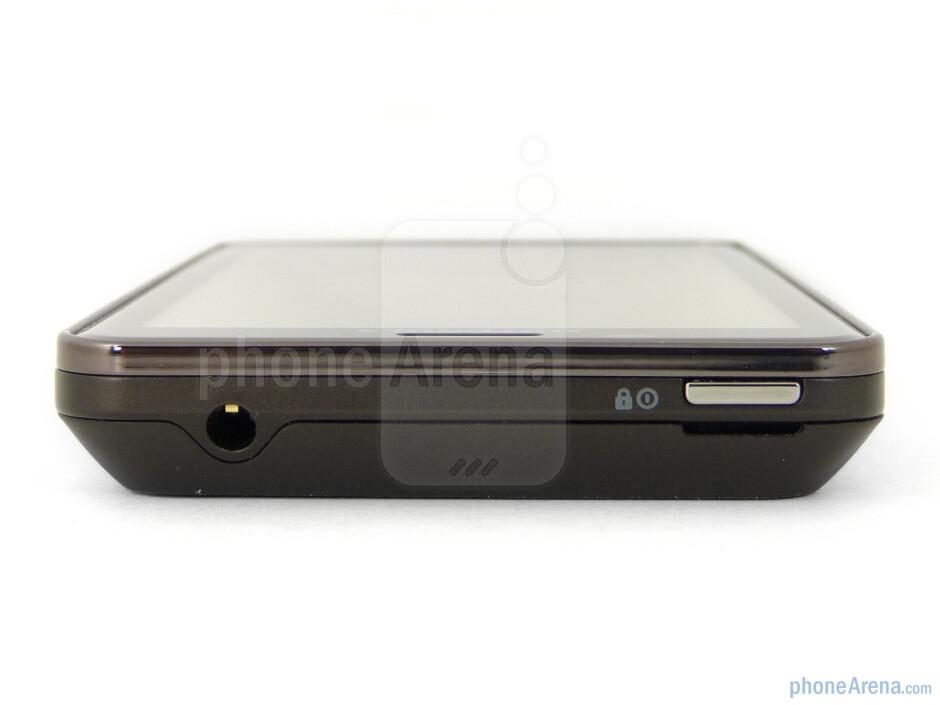 Top - Motorola DROID BIONIC Review