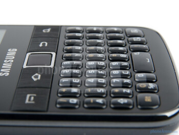 The Samsung Galaxy Y Pro's most important asset is its physical portrait QWERTY keyboard - Samsung Galaxy Y Pro Preview
