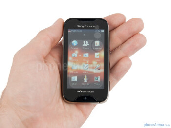 The Sony Ericsson Mix Walkman feels just like a toy in the hand - Sony Ericsson Mix Walkman Review