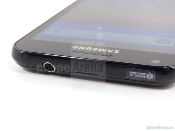 3.5mm jack on top - Samsung Epic 4G Touch Review