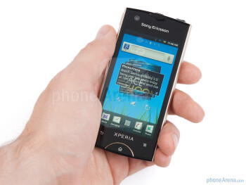 The Sony Ericsson Xperia ray is almost the perfect size - Sony Ericsson Xperia ray Review