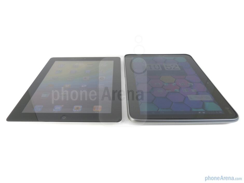 Apple iPad 2 (left) and HTC Jetstream (right) - HTC Jetstream vs Apple iPad 2