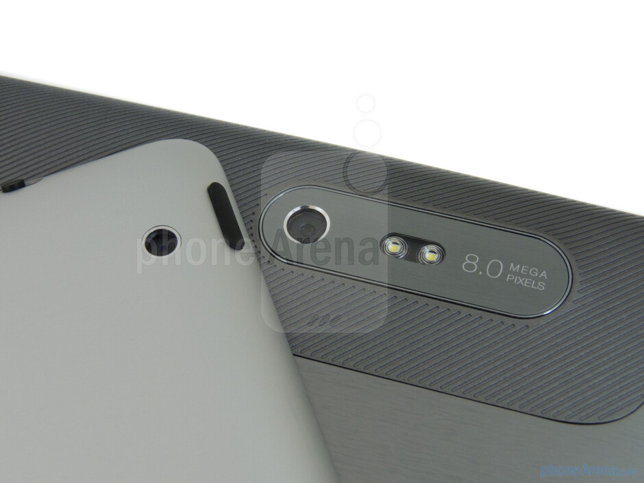 Rear cameras - Apple iPad 2 (left, top) and HTC Jetstream (right, bottom) - HTC Jetstream vs Apple iPad 2