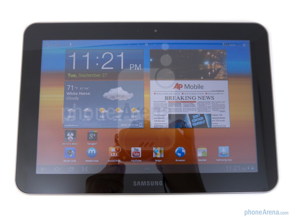 "The Samsung GALAXY Tab 8.9 is sporting an 8.9"" PLS LCD display - Samsung GALAXY Tab 8.9 Review"