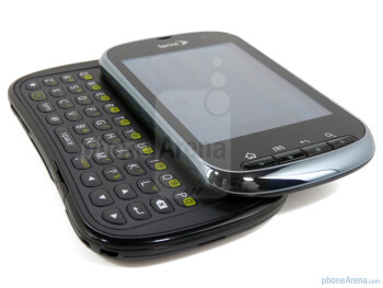 The four row QWERTY keyboard is good - Kyocera Milano Review