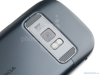 Camera on the back - Nokia 701 Review