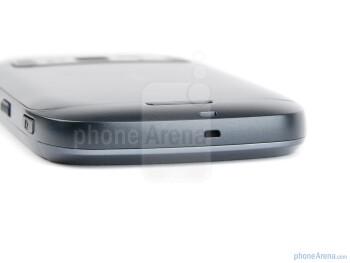 Bottom edge - The sides of the Nokia 701 - Nokia 701 Review